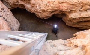 El Ayuntamiento de Rincón financiará la nueva investigación en la cueva de la Victoria