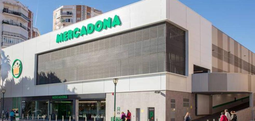Mercadona encabeza el ranking de supermercados más baratos en la capital malagueña, según la OCU