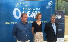 Málaga, una de las cinco sedes europeas de la campaña 'Alza tu voz por los océanos'