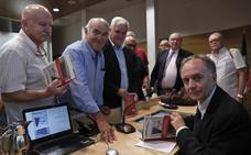 Antonio Soler vuelve a casa tras el «doble sprint» de 'Sur', su novela más arriesgada