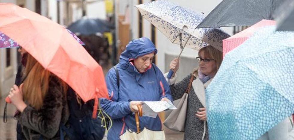 Aviso amarillo en Málaga por fuertes lluvias y tormentas este martes
