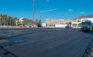 El Ayuntamiento adecenta la parcela de la avenida Juan Carlos I para 160 coches