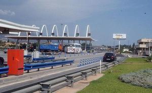 Cinco heridos en un accidente entre dos coches en la AP-7 a la altura de Benalmádena