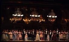 El Teatro Cervantes busca figurantes para completar la producción de 'La traviata'