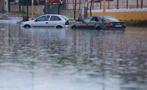 Las trombas de agua descargan 246 litros e inundan municipios del Guadalhorce y la Costa
