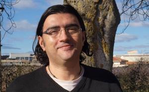 Antonio Manilla gana el Premio Generación del 27 por la «potencia imaginativa» de 'Suavemente Ribera'