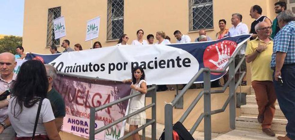 Los servicios mínimos de la huelga de médicos en Málaga cubrirán las urgencias y el 50 por ciento de la consultas