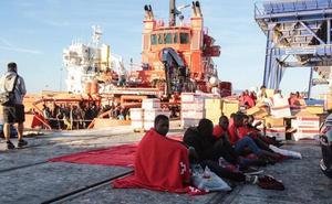 El puerto de Málaga recibe a 361 migrantes rescatados en alta mar