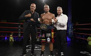 Ronny 'El Llanero' Alexander gana el campeonato Unión Europea de boxeo celebrado en Torremolinos
