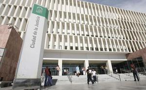 La Fiscalía de Málaga acusa finalmente a cuatro personas por presentar documentos modificados en un juicio