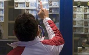 Tres afortunados se reparten 300.000 euros del primer premio de la Lotería Nacional en Málaga