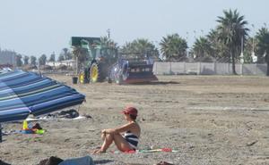 Las playas de Málaga vuelven a estar limpias tras la aculumación de basura tras las lluvias