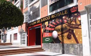 Tres atracadores irrumpen armados en un salón de juegos de San Pedro y se llevan 8.000 euros