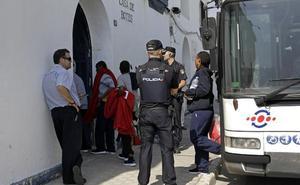 La Casa de Botes, refugio improvisado para los migrantes que llegan a Málaga