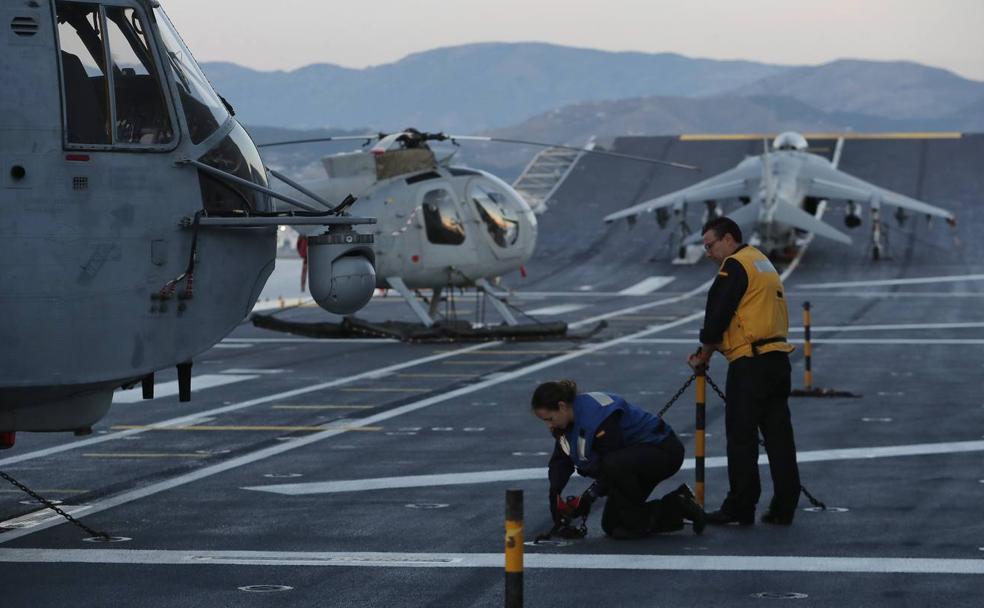 Así es la vida a bordo del portaaviones 'Juan Carlos I' de la Armada