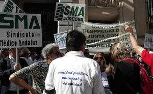Salud dice que la huelga ha sido seguida por el 12,95% de los médicos y los convocantes calculan el 63%