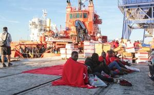 El alcalde, sobre la llegada de migrantes: «Echamos de menos una respuesta más ágil del Gobierno»