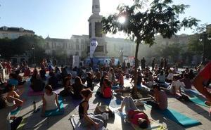 Clase de yoga gratis para toda la familia en el Centro de Málaga este viernes