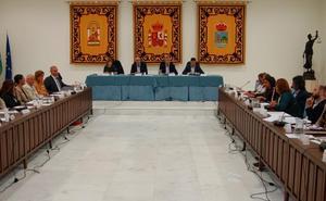 Estepona, primer municipio de la provincia en aprobar su presupuesto, de 104 millones de euros