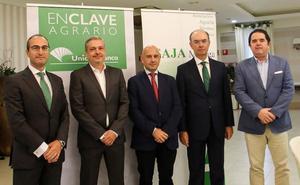 Unicaja Banco analiza las oportunidades de negocio del sector hortofrutícola
