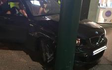 Detienen a un conductor que se dio a la fuga por las calles del Centro y llegó a entrar en Larios
