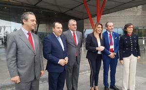 Susana Díaz insta a De la Torre a «no poner más piedras en el camino» del metro