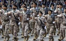 Defensa rebaja las alturas de hombres y mujeres para entrar en las Fuerzas Armadas