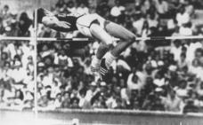 Dick Fosbury, el adelantado que venció a la fuerza de la gravedad