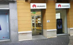 Huawei se lanza a vender teléfonos móviles en Málaga