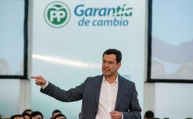 Juanma Moreno acusa al PSOE de intoxicar con las «fake encuestas»