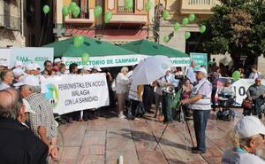 Médicos instalan un 'consultorio de campaña' para denunciar las carencias de la atención primaria de Málaga