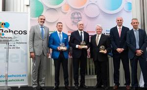 Aehcos premia a De la Torre, a Ignacio Aguirre y a la empresa Opentour