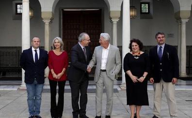 Richard Gere rueda en el Parlamento andaluz
