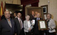 Medallas para el «arte» y la «bondad» de Chiquito de la Calzada y Antonio de Canillas