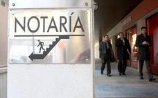 La indecisión del Supremo sobre el impuesto frena la firma de hipotecas en las notarías