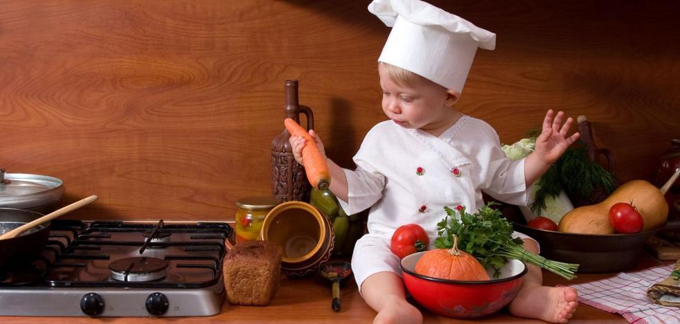 Cuándo se le puede dar a los bebés la comida sin triturar