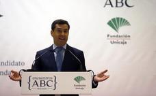 Juanma Moreno dice que por primera vez tiene un «posible» socio de gobierno en Andalucía, pero ve abierto el escenario