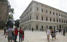 El Museo de Málaga sigue a la espera de sus salas para exposiciones temporales a punto de cumplir dos años en la Aduana