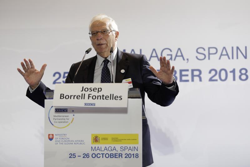 Borrell, a los británicos de la Costa del Sol: «El Brexit no les afectará»