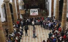 Los alcaldes de IU de Teba y Campillos se encierran para exigir la 'zona catastrófica'