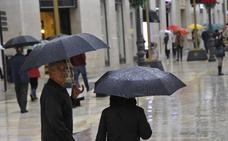 Meteorología activa el aviso naranja por lluvias hoy en Málaga