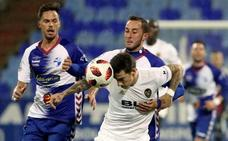 Santi Mina rescata al Valencia ante el Ebro