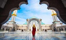 Las mujeres en las mezquitas y sus minaretes de cristal