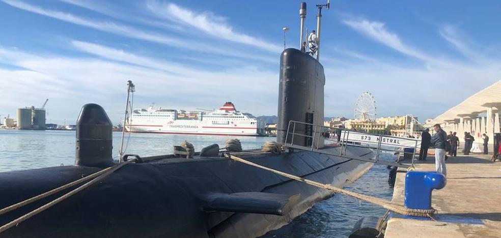 El submarino Mistral hace escala en el Palmeral del Puerto de Málaga