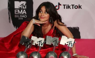 Camila Cabello arrasa en los premios MTV