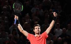 Khachanov amarga la vuelta al número uno de Djokovic