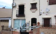 Un padre y su hijo menor de edad fallecen en el incendio de una vivienda en Arriate