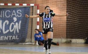 Sole López entra en la historia como la quinta malagueña internacional