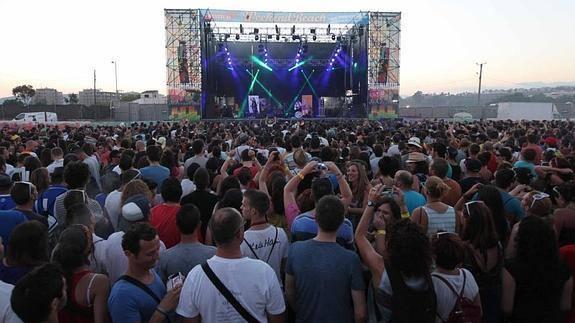 Rozalén y Beret, artistas nacionales confirmados para el Weekend Beach Festival de Torre del Mar