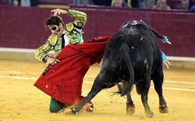 El torero Juan José Padilla recibe agradecido el Premio Nacional de Tauromaquia en el año de su retirada